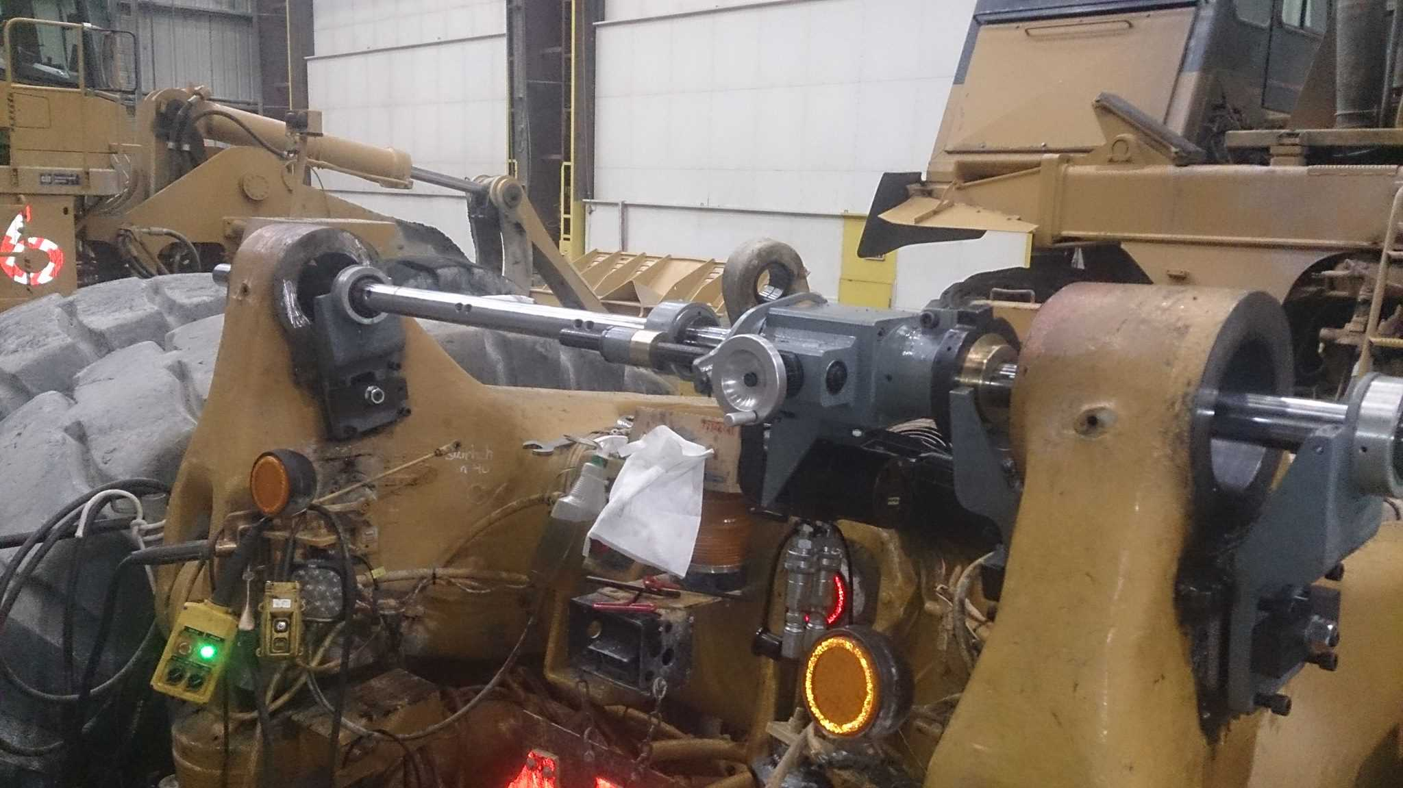 Caterpillar Off-Road truck Frame to box bores - 360 Services Inc.